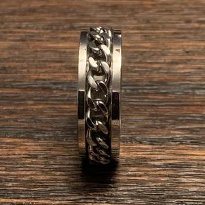 Brand new Silver Chain Ring Size 12.25